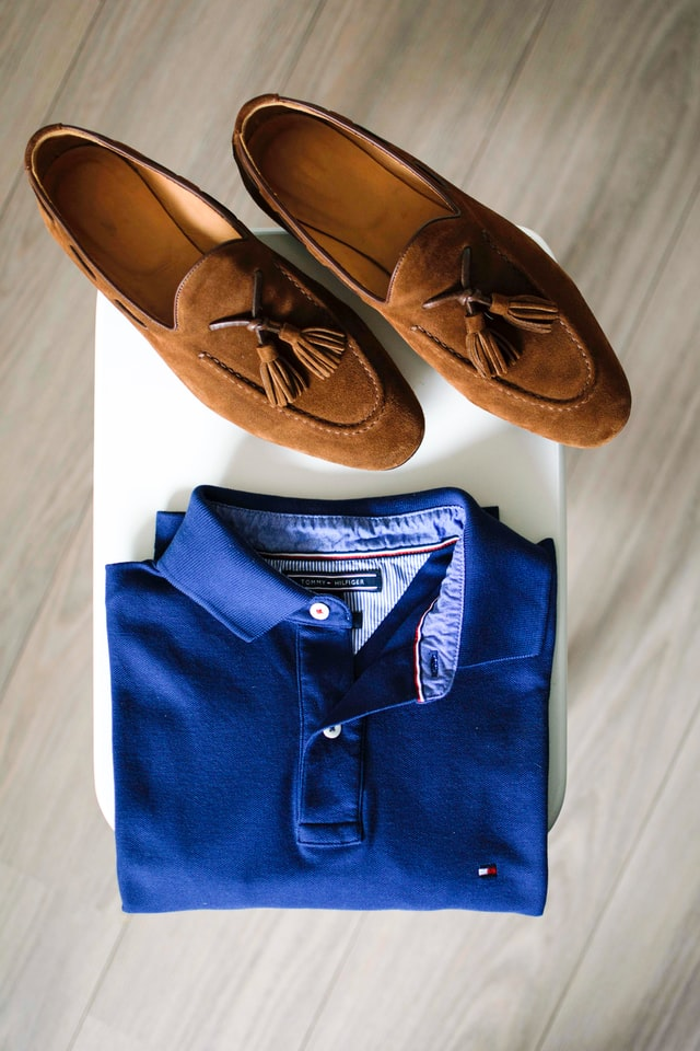 how to wear a polo