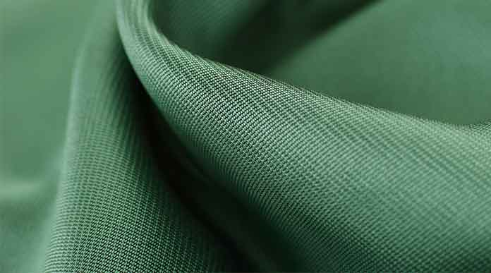 Is polyester warmer than cotton?