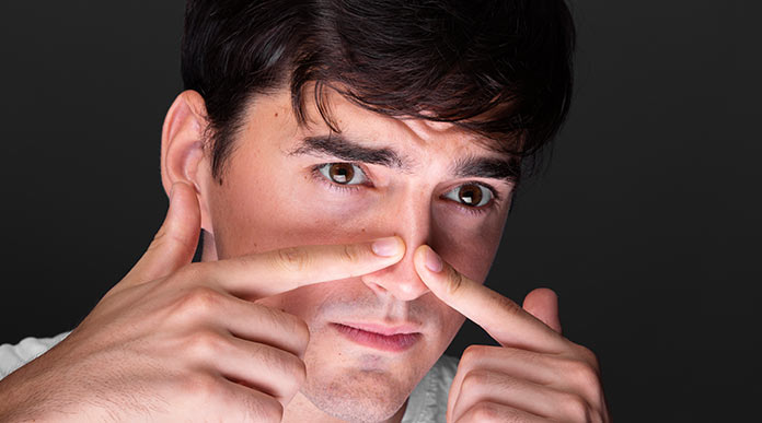 does squeezing your nose make it bigger