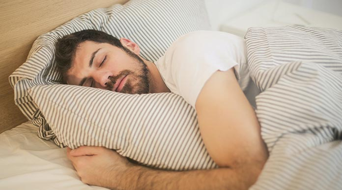 does sleeping in afternoon increase weight