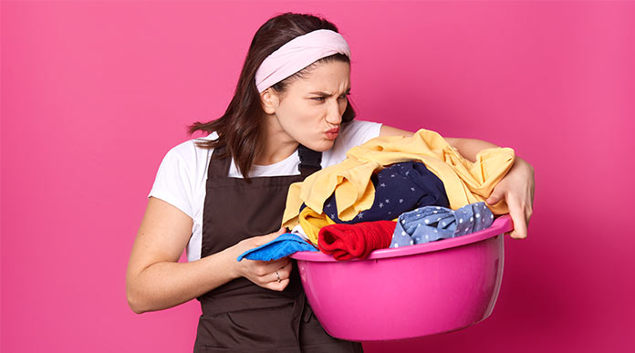 can mold grow on clothes